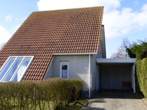 Foto 1: Vakantiehuis Noordzeelaan 84 Scharendijke Zeeland