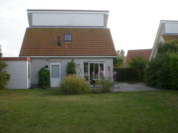 Foto 1: Vakantiehuis Noordzeelaan 94 Scharendijke Zeeland