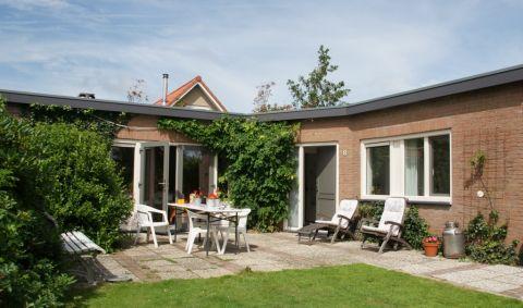 Foto 1: Vakantiehuis Hogeweg 90//Elfenpad 8 Burgh-Haamstede Zeeland